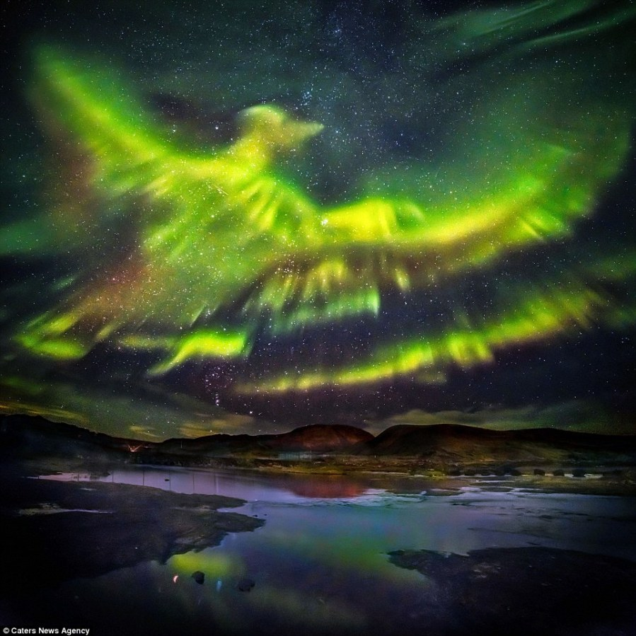 Araba fenice Aurora boreale in Islanda 2016