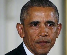 obama-in-lacrime