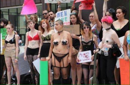 Protesta femministe contro Trump.jpg
