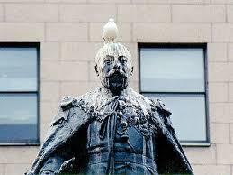 piccione-statua.jpg