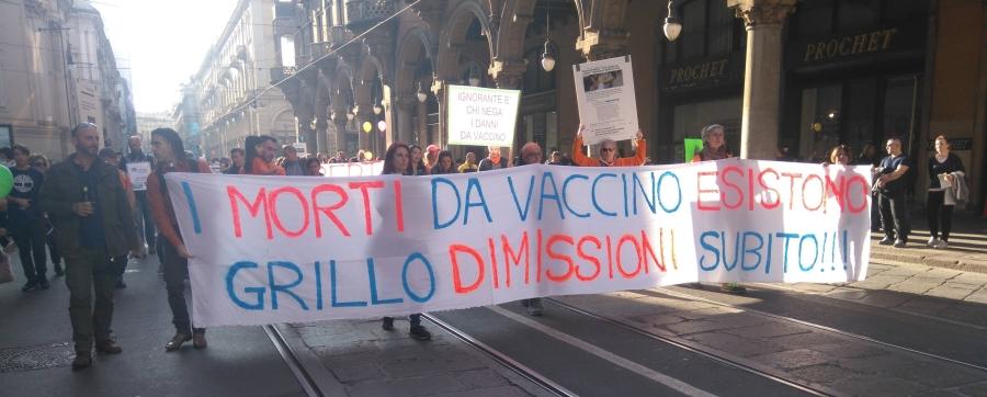 manifestazione-vaccini-torino.jpg