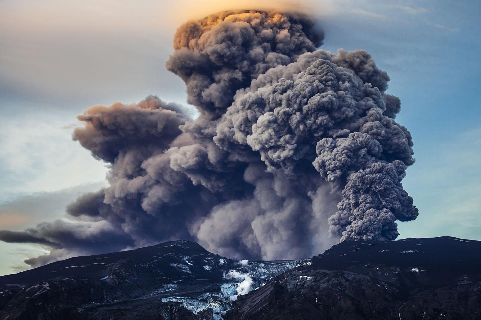 vulcano islandese Eyjafjallajökull 2010.jpg